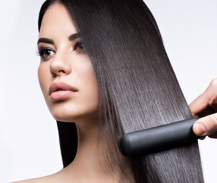wie wachsen haare schneller, glätteisen verwenden, haare glätten, keratinbehandlung machen