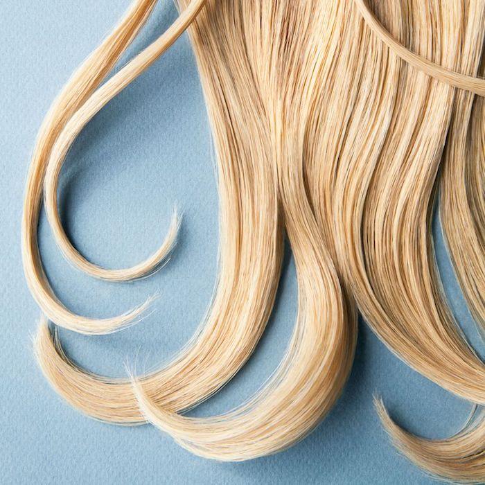 wie wachsen meine haare schneller, blonde locken, frei fallende haare, goldblond