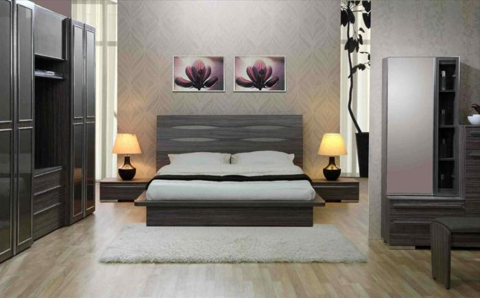 welche farbe fürs schlafzimmer, graues zimmer einrichten, graue wohnung, zwei schöne rosa und lila bilder an der wand, lotusblumen