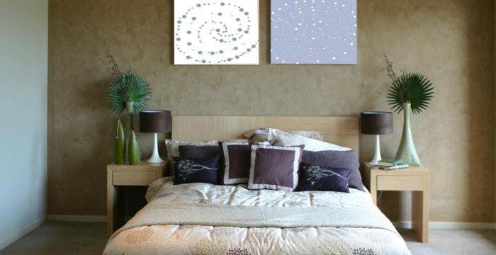 welche farbe fürs schlafzimmer, dezente farbmuster beige udn weiß, grau, braun, grüne pflanzen im raum, weiße wanddeko