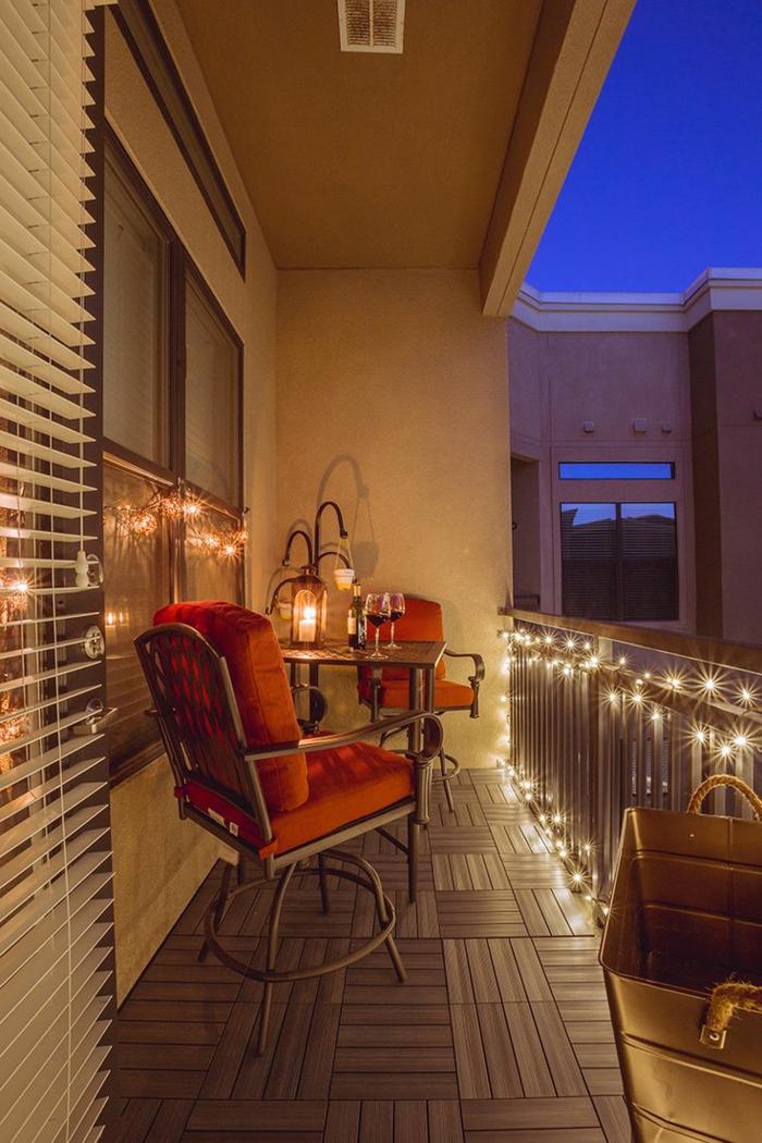romantischer abend zu zweit veranstalten, balkon deko ideen mit schöner beleuchtung