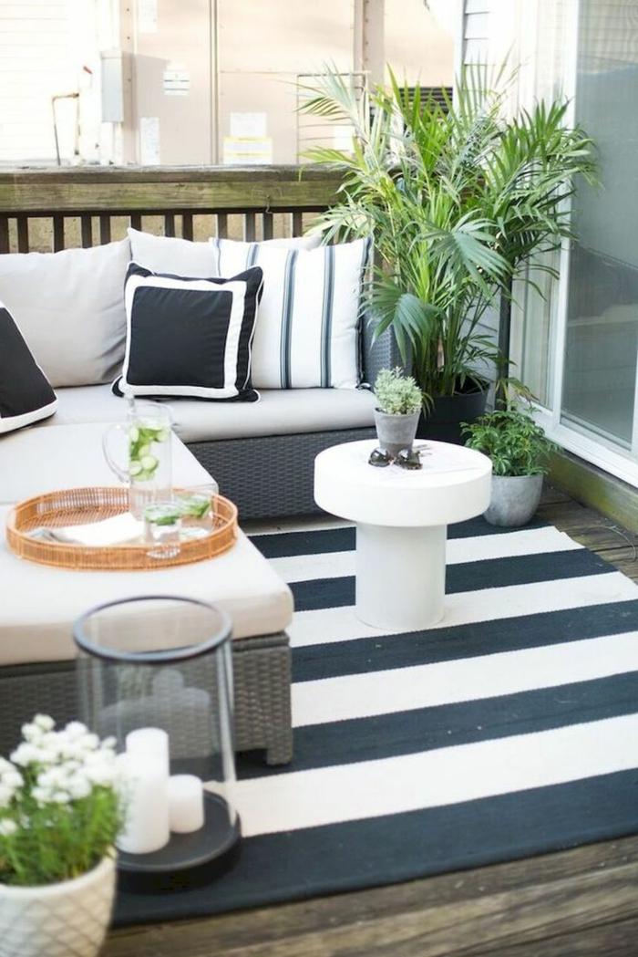 schlichte dekorationen und einrichtung des balkons, gartenmöbel für kleinen balkon, skandinavisch einrichten