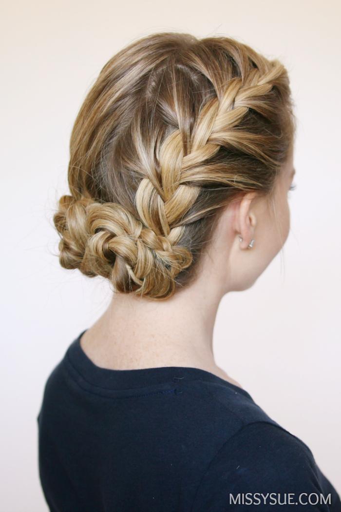 Flechtfrisur für den Abiball, leicht zum Nachstylen, praktische Hochsteckfrisur für lange Haare