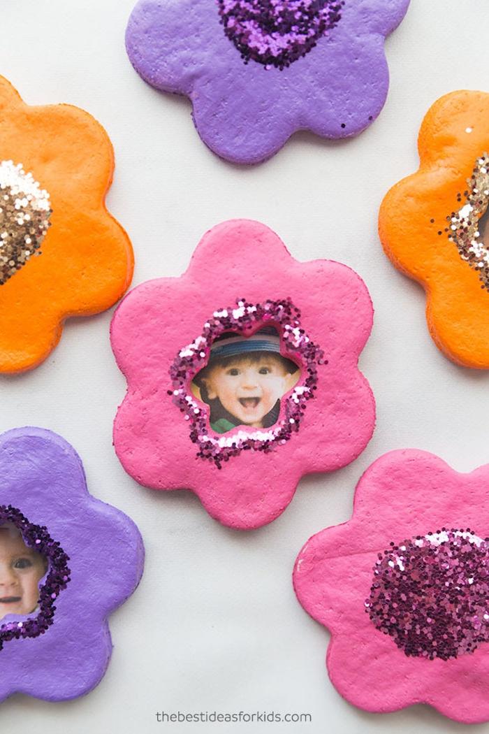 Bilderrahmen aus Fimo basteln, mit Glitter dekorieren, Bilder von Babys