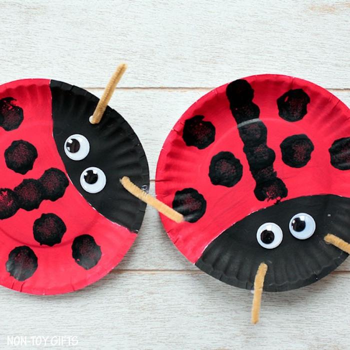 Marienkäfer aus Papptellern basteln, tolle DIY Idee für Kleinkinder und Eltern