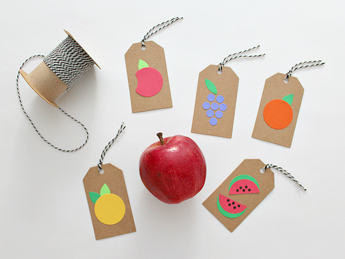 Anhänger mit Kindern basteln, Früchte aus Papier ausschneiden, leichte und lustige DIY Ideen