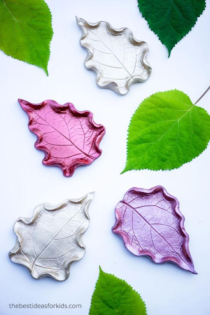 Basteln mit Blättern, Blätter aus Fimo selber machen und bemalen, DIY Idee für Kinder