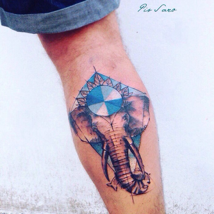 Idee für Bein Tattoo, Elefant Tattoo für Männer, farbige Tätowierungen