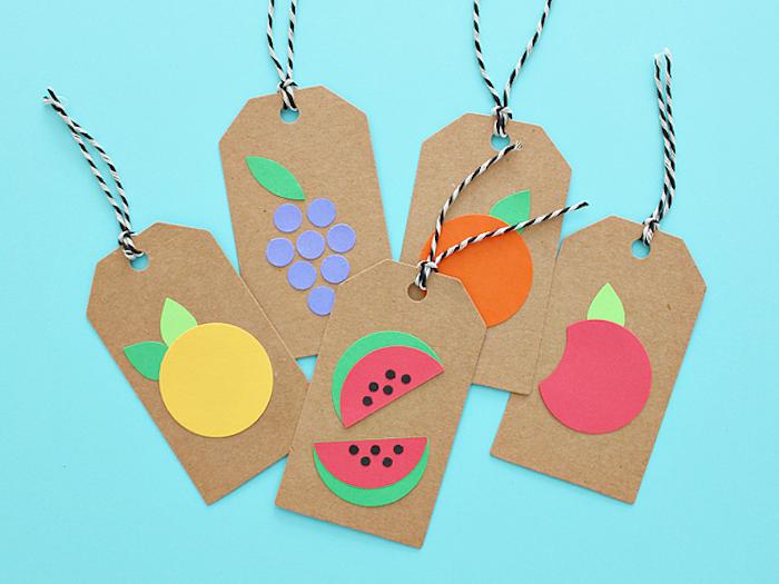 Anhänger mit Früchten basteln, DIY Idee für Kinder und Eltern, Früchte aus Papier schneiden
