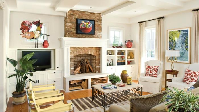 eine Wohnwand mit Fernseher und Kamin, ein blaues Bild, Wohnideen Wohnzimmer