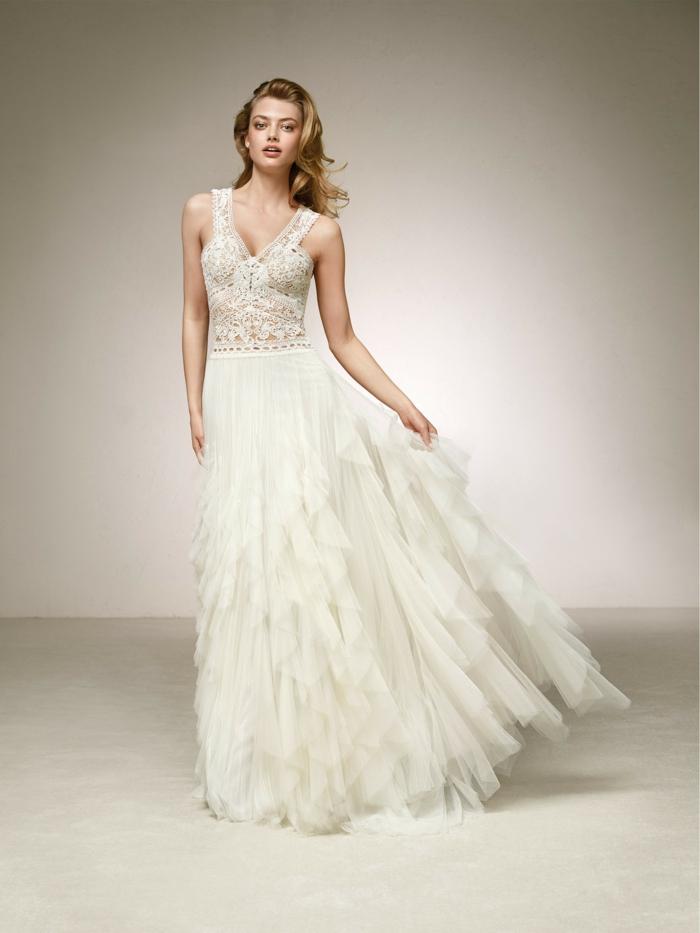 vintage Brautkleider, ein Spitzenoberteil, Rock wie mit Federn, bodenlang