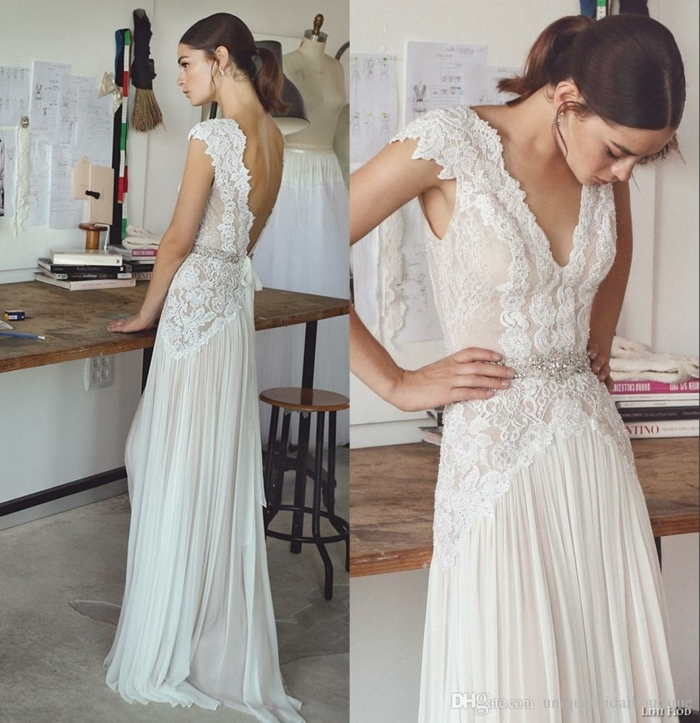 ein interessantes Modell von Boho Brautkleid aus zwei Teilen mit viel Spitze