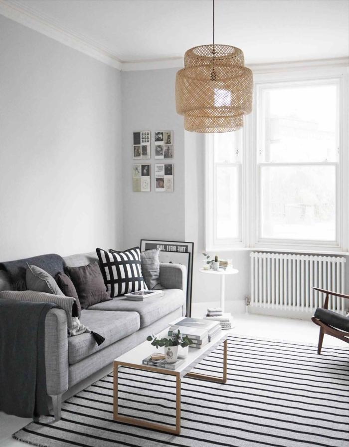 kleine Bildchen, ausgefallener Lampenschirm, Wohnzimmer Weiß Grau