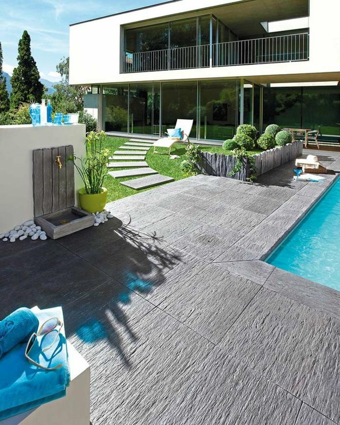 englische gärten, stilvolles hausdesign mit großem garten, pool, brunnen, penthouse