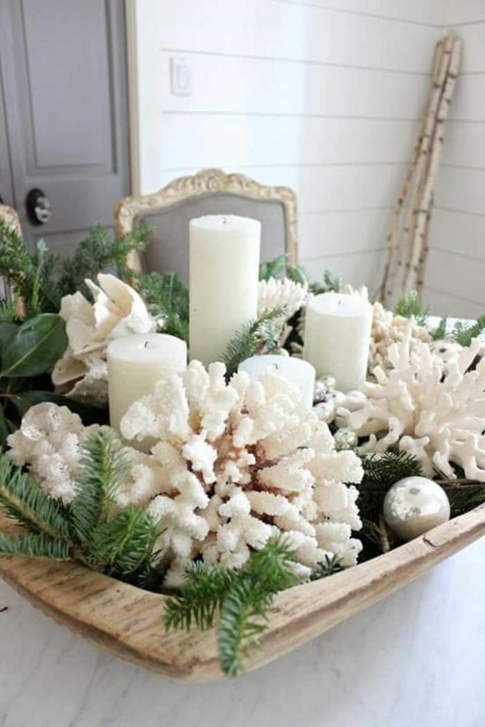 dekorationen in der küche, esszimmer einrichten idee zum tischdesign, kerzen, ewiggrüne zweige