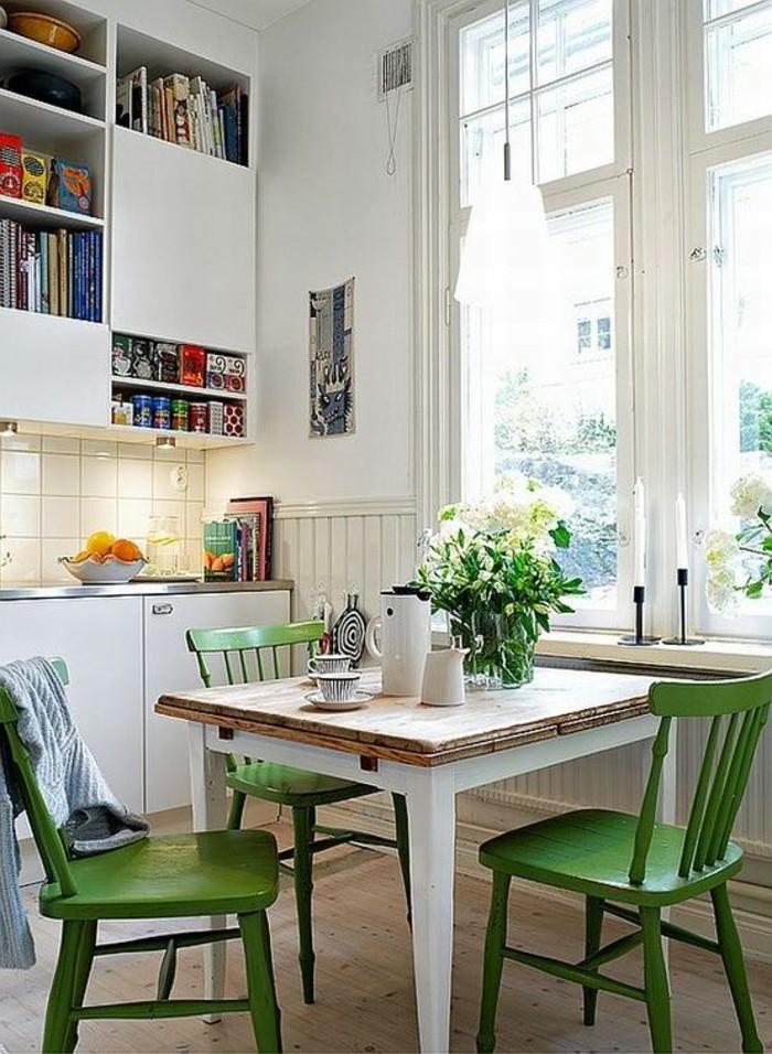 In Weiß Und Grün Das Esszimmer Gestalten, Deko Ideen Mit Frischen Blumen,  Regale Für
