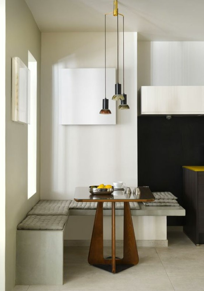 tisch für kleine küche mit bänken anstelle von stühlen, kleines esszimmer einrichten, ideen in bildern