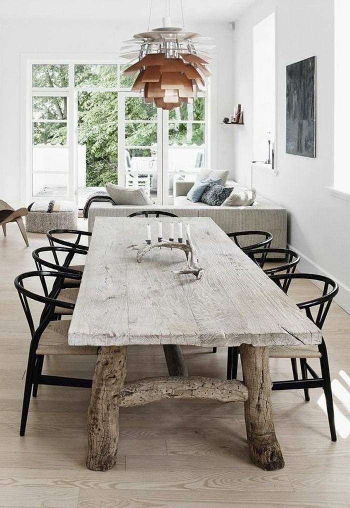 wohn essbereich idee zur authentischen retro gestaltung, großer tisch mit kerzen deko, wohnbereich in der nähe, ethno stil, robust und einfach aber schön