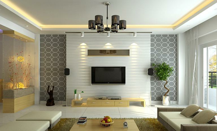 Deckenleuchte, ein beiges Sofa, weiße Fliesen, eine Fernsehwand, Wohnzimmer Einrichtung