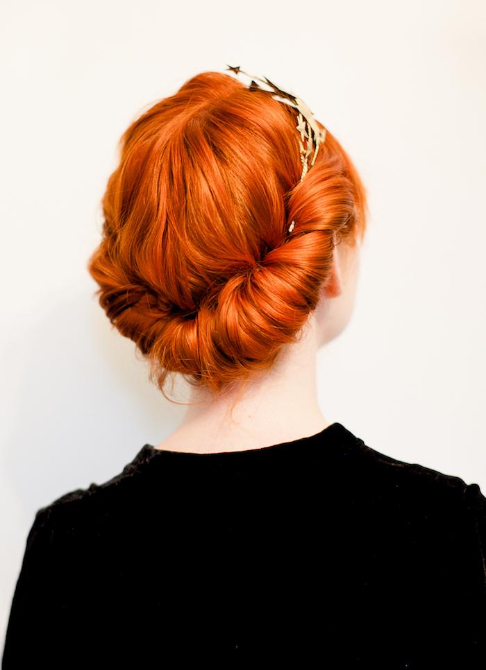 Leichte Hochsteckfrisur zum Nachstylen, für lange und mittellange Haare