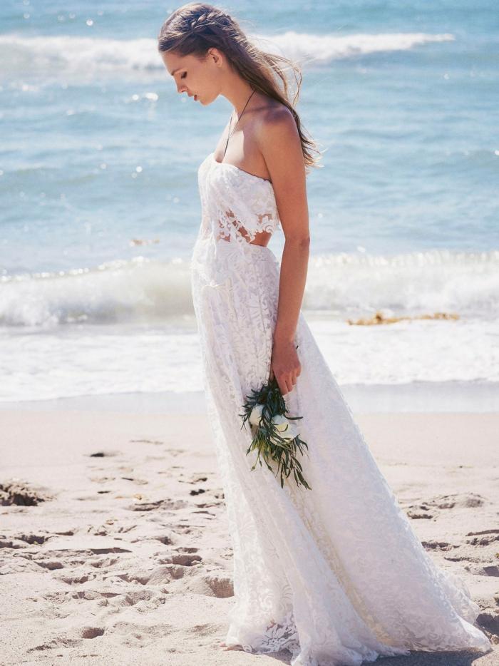 eine Hochzeit am Strand, Spitzenkleid, Brautkleid Hippie, vintage Brautstrauß