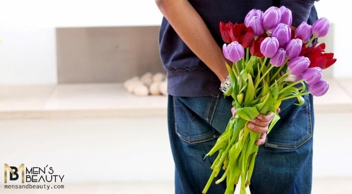 die kreative männer sind von den damen immer gemocht, tischdekoration geburtstag, lila tulpen der freundin schenken, überraschung