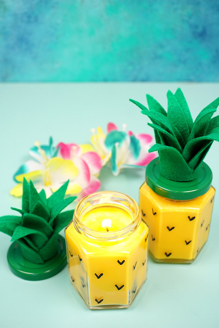 Ananas Kerze selber machen, Blätter aus grüner Filzstoff ausschneiden