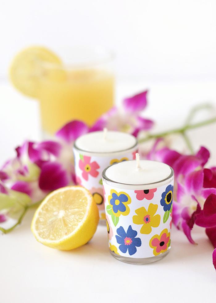 Kerzen mit Blumen Motiven selber machen, DIY Idee für Duftkerzen