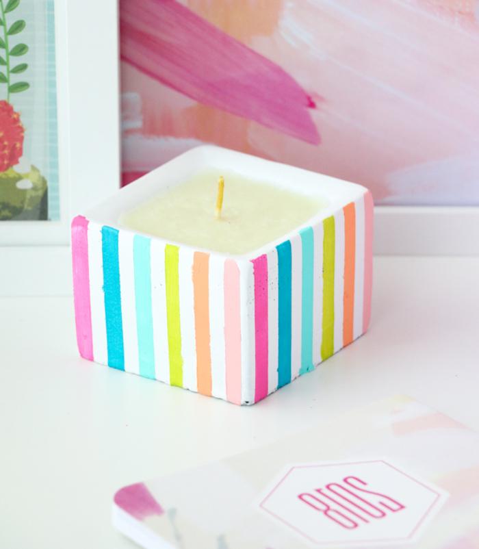 Kerzenhalter selber machen, mit bunten Streifen, DIY Idee für tolles Geschenk