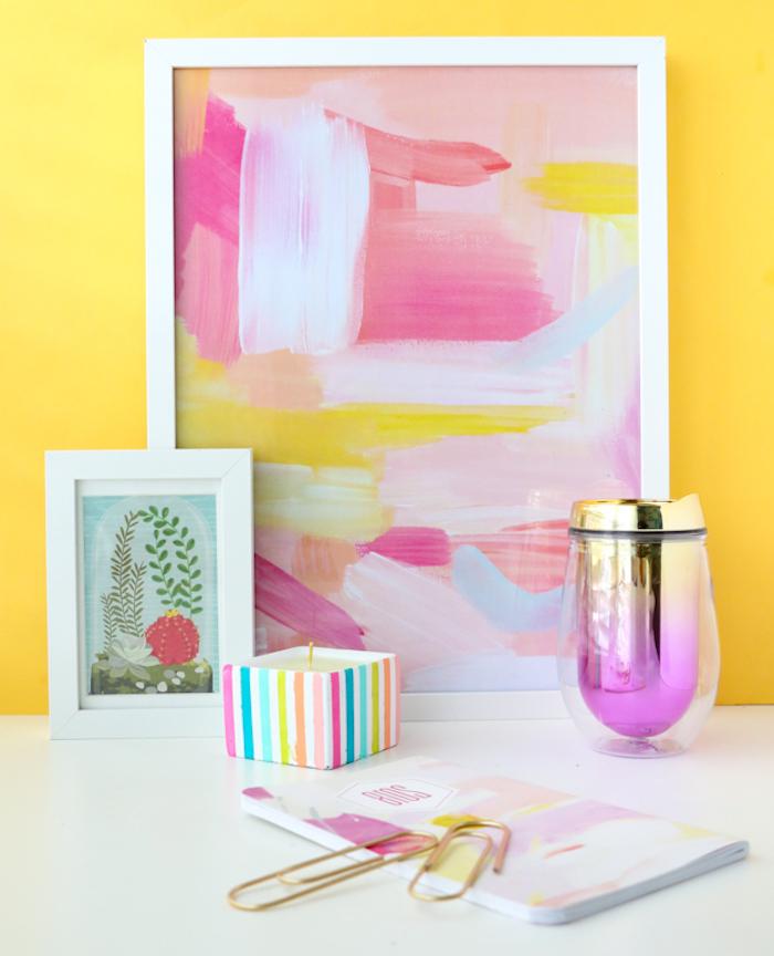 Kerzenhalter mit bunten Streifen, DIY Idee zum Nachmachen, Gemälde mit weißem Rahmen