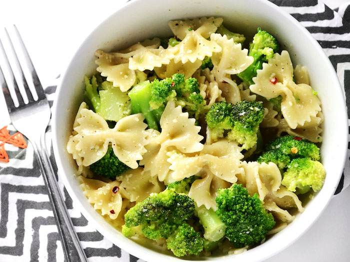 schmetterlingsnudeln mit brokkoli, leicht verdauliches essen, mittagessen ideen