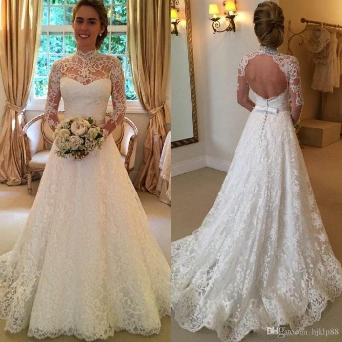 Brautkleid vintage schlicht, Spitzenkleid, vintage Blumenstrauß, zwei Fotos von vorn und hintern