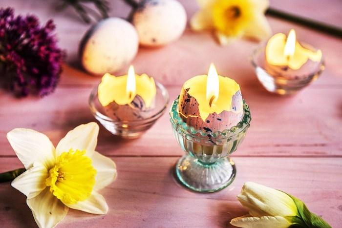 Kerzen aus Ostereiern selber machen, gelbe Narzissen, schöne Idee für Frühlingsdeko