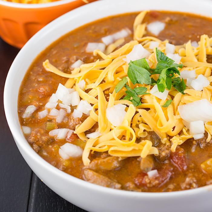 chilli zubereiten, rezepte kalorienarm, hackfleich, käse, tomatensoße, mittagessen