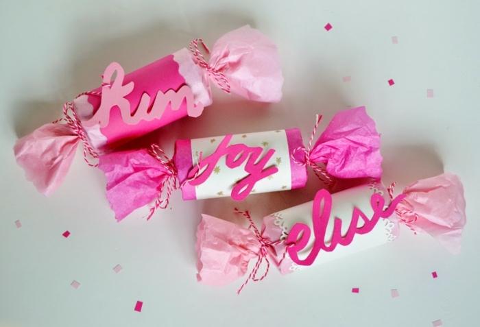 rosa Bonbons mit Aufschriften, Basteln mit Klorollen, ganz bildschön