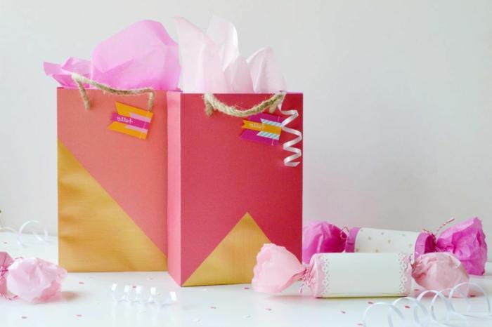 herrliche Geschenktüten selber basteln und mit Geschenken füllen