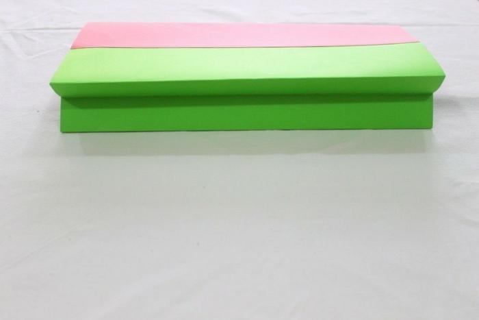 rosa und grüne Verpackung, kleine Geschenktüten, eine Faltanleitung