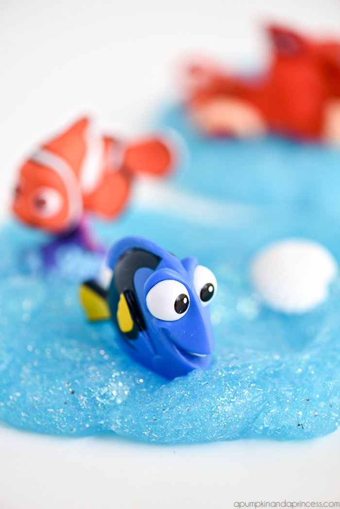 Blauer Schleim mit Glitter, Dory und Nemo, Finding Dory, tolle Spielzeuge