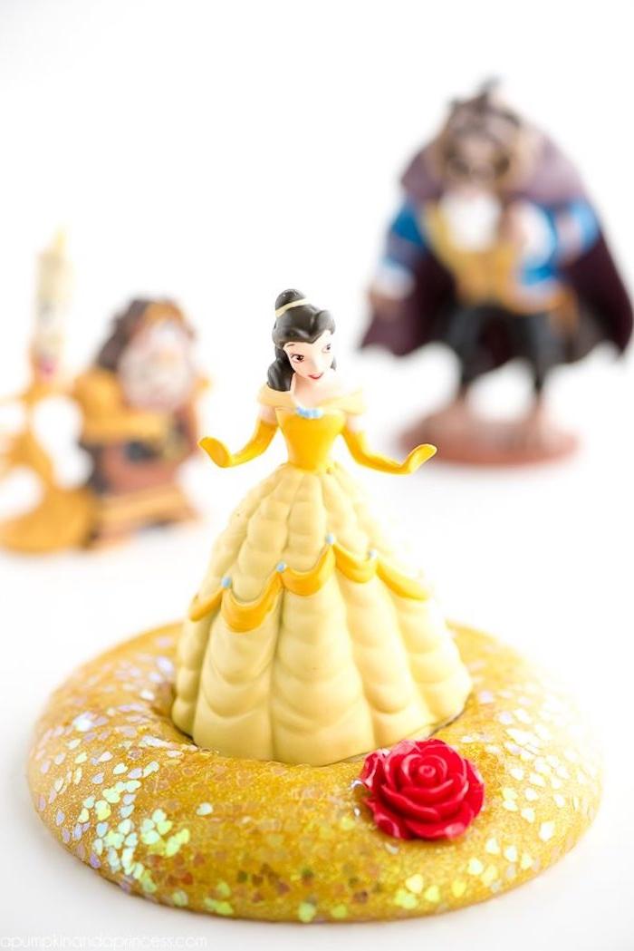 Gelber Schleim mit Glitter, Puppe Belle, Die Schöne und das Biest, gelbes Kleid, rote Rose