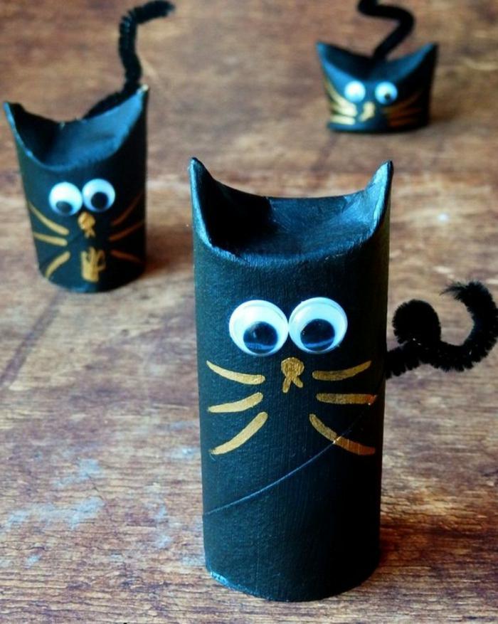 schwarze Katzen mit goldenen Schnurhaar, Bastelideen mit Klopapierrollen