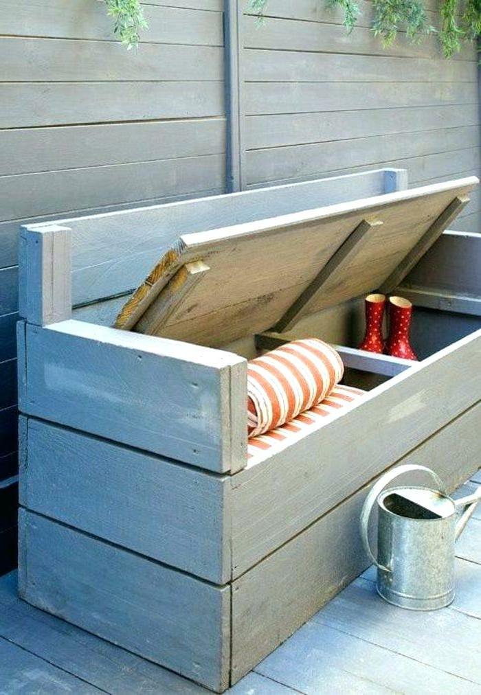 kreativer lagerraum, kleine terrasse gestalten, möbel für den balkon selber machen, schrank und bank kombinieren