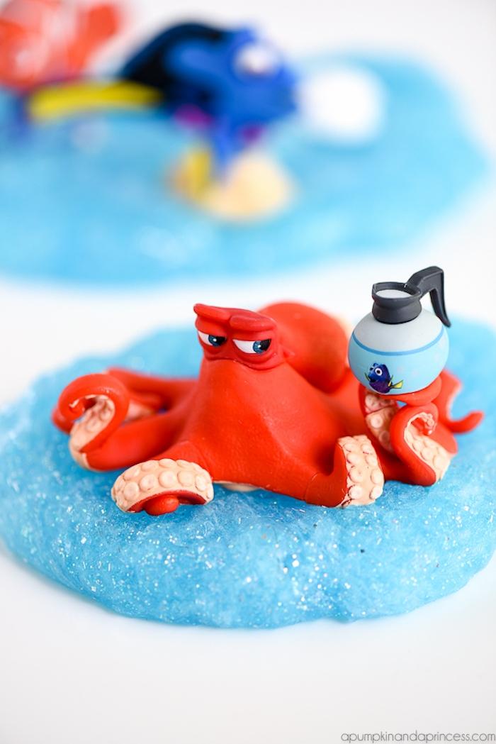 Blauer Schleim mit Glitter, roter Krake, Finding Dory, Spaß für Kleinkinder