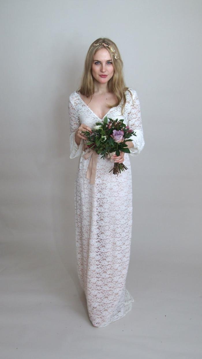 Spitzenkleid mit Blumenmuster, Brautkleid vintage schlicht, blonde Braut