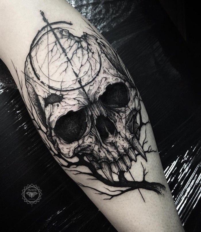 Tattoo an der Wade, Bein Tattoo Totenkopf, Tattoo Motive für Männer