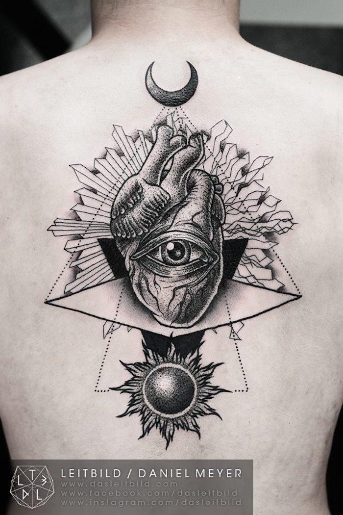 Schwarzes Rücken Tattoo, Herz und Auge der Vorsehung, Tattoo Ideen
