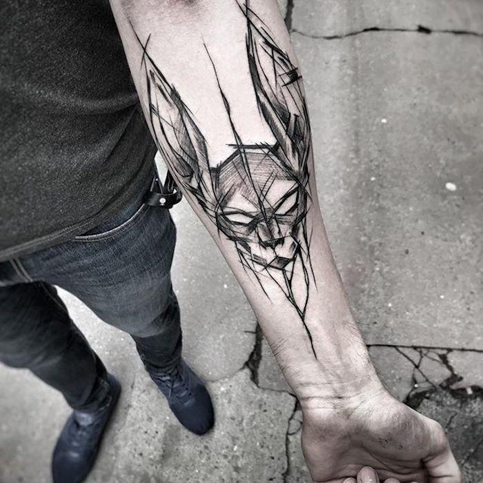 Unterarm Tattoos für Männer, schwarzes großes Tattoo, coole Tattoo Motive