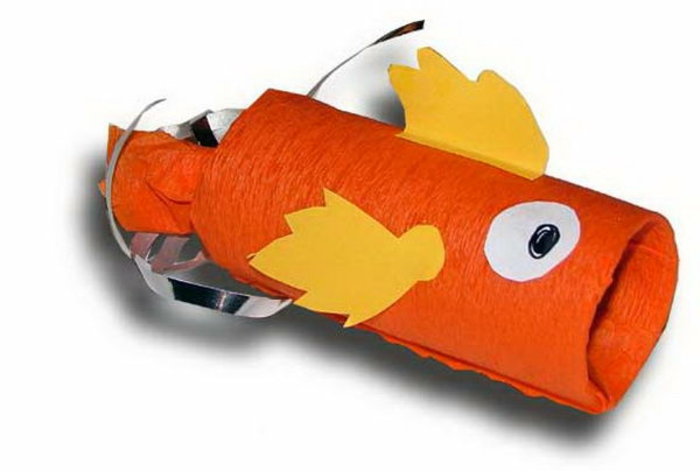ein oranger Fisch, Schachtel für Bonbons, Bateln aus Klopapierrollen