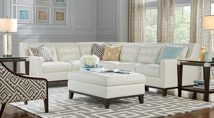Ecksofa in weißer Farbe, weißer Teppich, Einrichtungsideen Wohnzimmer in weißer Farbe