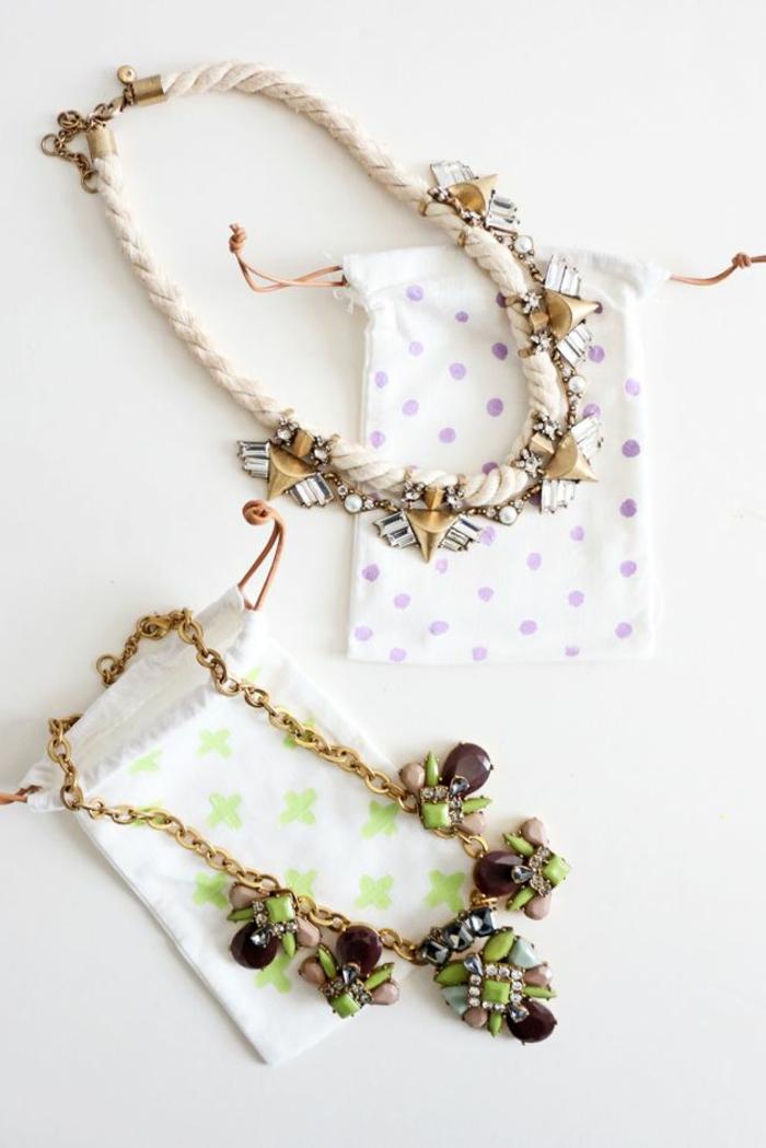 kleine Armbänder als Geschenk, kleine Geschenkstüten selber basteln und verzieren