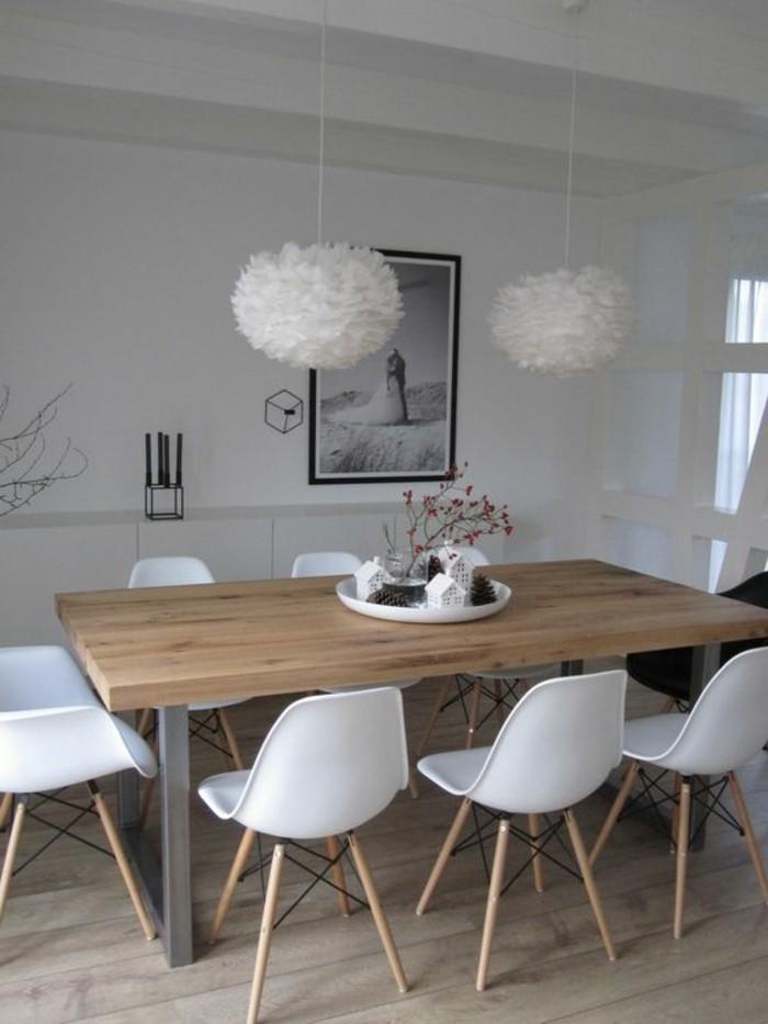 esstisch deko, tablett mit vielen kleinen deko elementen, idee zum einrichten in der küche oder im esszimmer